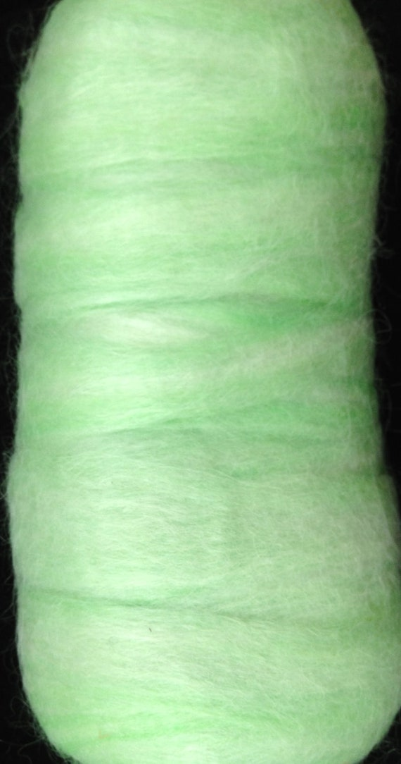 Alpaca Roving - 4.2 oz - Lime Green - Suri Alpaca, Merino, Bamboo - Center Pull