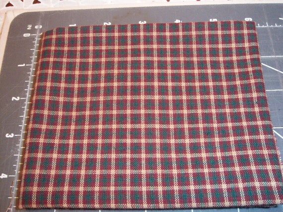 Vintage Homespun fat quarters, bundle of 3 in Red Green plaids, 100 percent cotton material,crafting, quilting,package ties