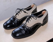 Vintage 1960s Mens Spectator Brogues Oxfords . Black Patent Leather & Tan Canvas Dress Shoes by British Walkers Mens Size 10