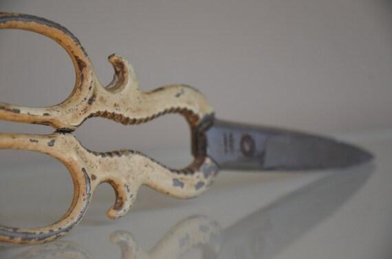 Vintage / Antique Beige Curved Metal Scissors.