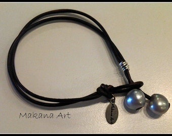 Free Shipping - Leather and Pearls Bracelet  Silverberry