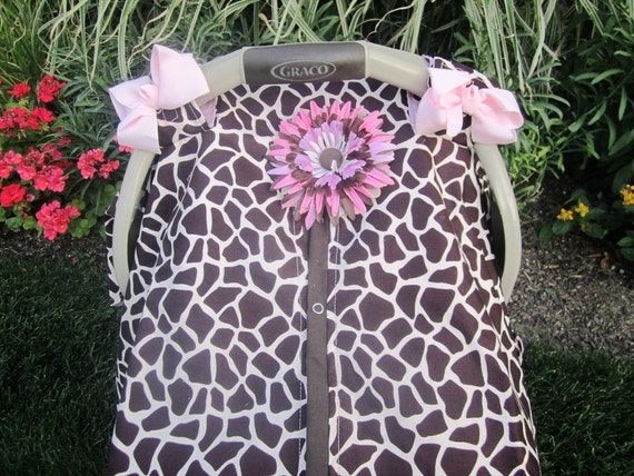 Car seat cover / car seat canopy / pink giraffe print / solid pink inside / car seat cover / nursing cover / carseat canopy / carseat cover