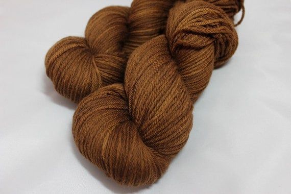 Walnut - Naturally-Dyed Falkland British Merino DK-Weight Yarn 246 yds