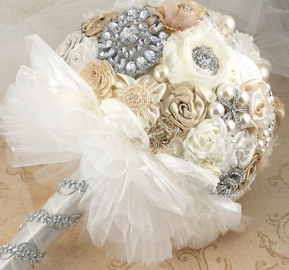 Брошь Букет Vintage-Style Свадебный букет Jeweled в Шампани, слоновая кость и белый