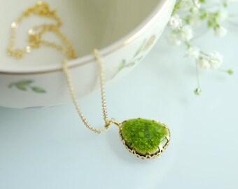 Green bridesmaids necklace, Green ceramic necklace, Green teardrop necklace, Green wedding jewelry, Pottery pendant, Peridot green jewelry