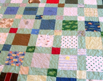 "Homemade Quilts, Onesie Quilt, Handmade Quilt, King Size 98"" x 102"" (248cm x 259cm) (60 to 70 clothing items) - DEPOSIT LISTING (50%)"