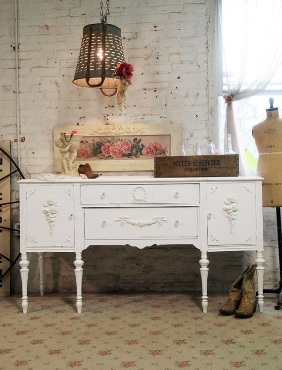 RESERVE SUEANN Painted Cottage Chic Shabby White French Server / Buffet SV304