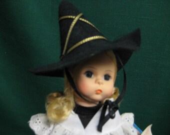 427 - Madame Alexander Doll - Mother Goose - Vintage Dolls