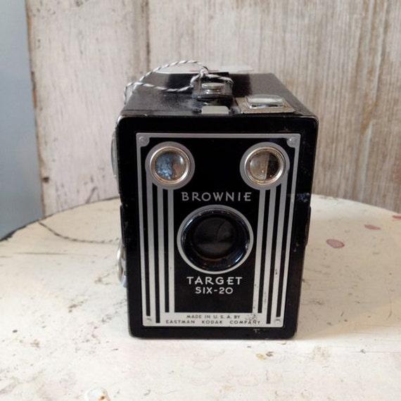 Brownie Target 620 Vintage  Camera