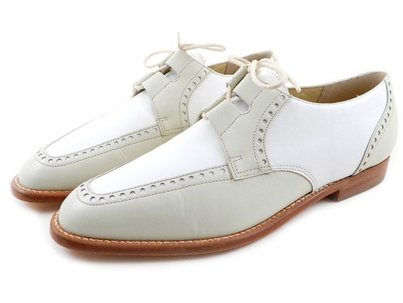 Vintage Kenneth Cole White Bone Leather Oxfords Made in Brazil Womens sz 8