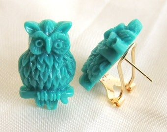 Green Owl Earrings, Stud Earrings, Retro, Whimsical, Fantasy Earrings, Gold, birthday gift, Thank you gift, Holiday gift, Christmas earrings