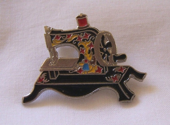 Vintage Black Clotilde Toy Sewing Machine Replica 1910 Pin Brooch