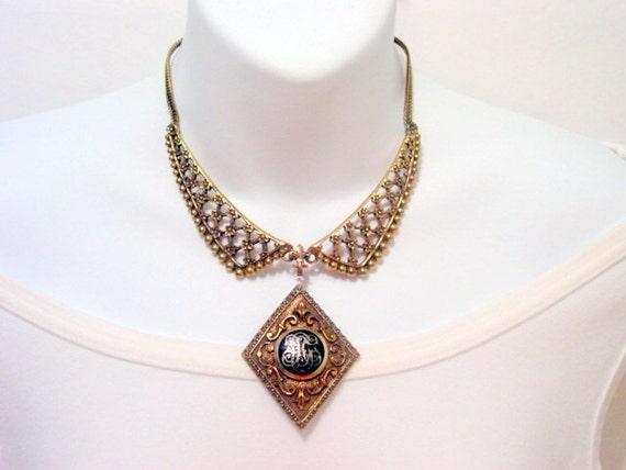 Vintage Fleur De Lis Necklace, Antique Gold Tone Collar Peter Pan Bib Necklace with Crest Celtic Detail Vintage Jewelry Jewellery