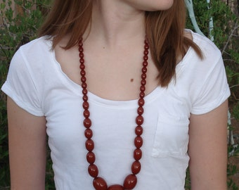 Art Deco Red Bakelite Graduated Bead Necklace