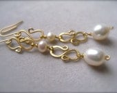 Long Pearl Earrings, Bridal Earrings, Gold hammered earrings