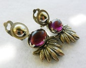 Vintage 1960s - Lovely dangle earrings in silver and purple - elegantly retro --Art.337/2 -