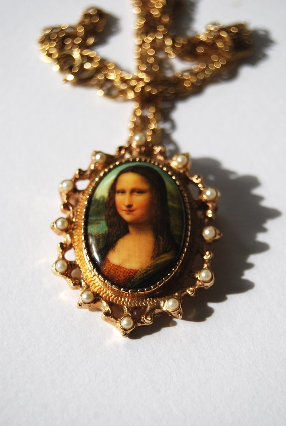 Vintage Sara Coventry signed, Mona Lisa Brooch, Pendant Necklace