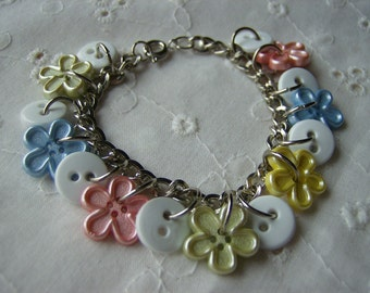 Adorable Girl's Flower Power Button Bracelet Free Shipping