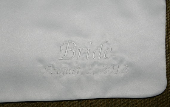Additional EMBROIDERY OPTION for BRIDE'S Cake Bib