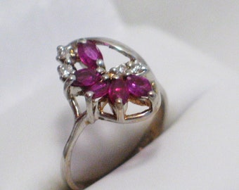 14k white gold ruby diamond ring band Gemstone vintage abstract cluster waterfall design size 5 .25 womens fine jewelry