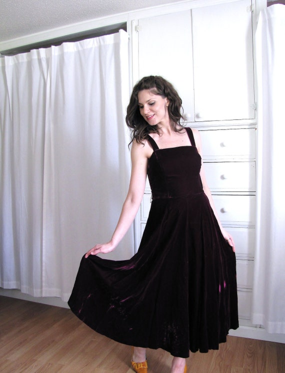 Vintage 1980's Does 1940's Deep Plum Velvet Cocktail Dress
