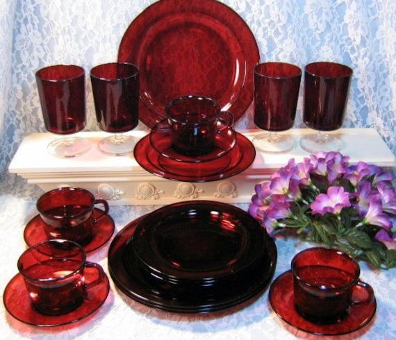 Vintage Cris DArques Durand Cavalier Ruby Glass Dinnerware 20 Piece Set