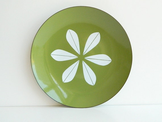 Large Cathrineholm olive green enamel lotus plate by Grete Prytz Kittelsen
