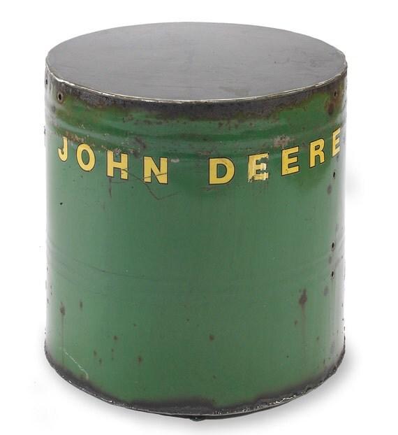 John Deere Round
