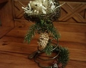 Gold Bird - Rusty Bed Spring & Horse Shoe, Bird Nest Christmas Decoration