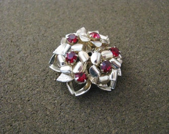 Vintage Coro gold tone dimensional  flower brooch pin with red rhinestone centers
