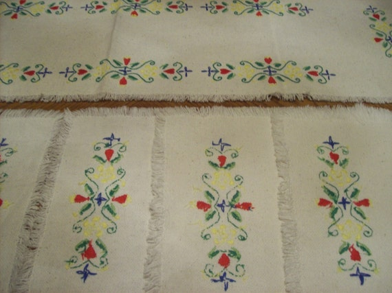Clearance... Embroidered Table Runner & 6 Place Matts, Cottage Chic