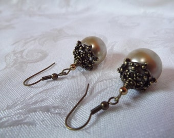 Tan Pearl Earrings