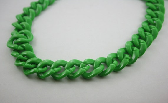 30 inch. Green Chunky Chain Plastic Link Necklace Craft DIY Decorations Findings (Round) CR9