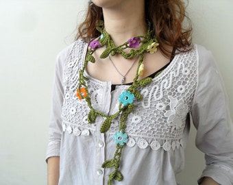 Crochet lariat scarf with Flower in Green Leaves, Necklace, Crochet Floral Necklace, Feminine, Trendy, Infinity, Summer, Harvest