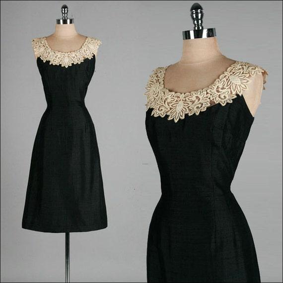 Vintage 1950s Dress . Black Linen . Ivory Macrame Lace . Wiggle . M . 1751