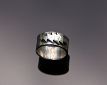 13 Point Lightning Bolt Sterling Silver Band