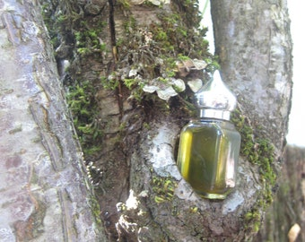 The Holly, Moss & Ivy botanical perfume 1/2 oz