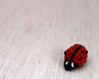 Lady Bug Ornament / Crochet Decor / Nursery Decoration / Rustic Wedding / Crochet Applique / Woodland Window Treatment / Gift under 10