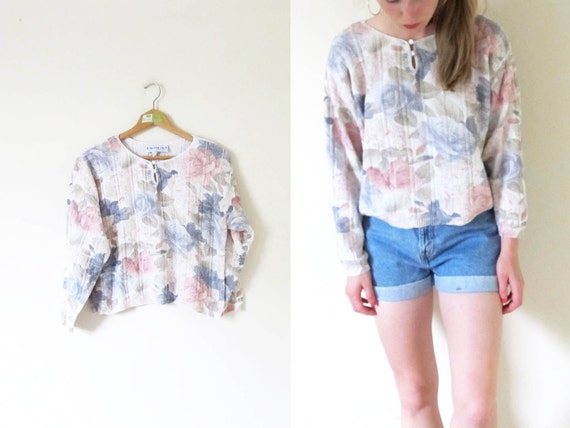 SALE // vintage 1990s knit shirt // crop top // floral print // pastel colors // size small s // medium m