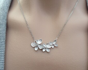 Silver Flower Trio Necklace - gift, Christmas, wife, girlfriend, mother, sister, bridesmaid, friend, wedding, romantic