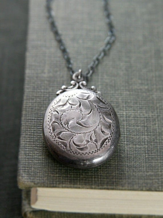 Oxidized Sterling Silver Locket Necklace, Feminine Romantic Vintage Pendant - Birks Tradition