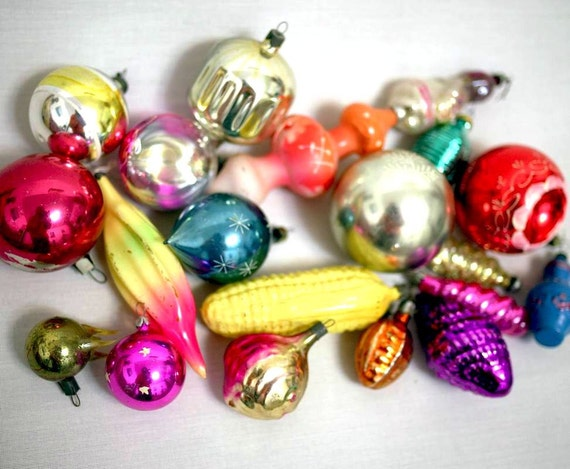 Russian Christmas Decorations - Vintage Glass Baubles Ornaments  - set of 20 - 1970s - from Russia / Soviet Union / USSR