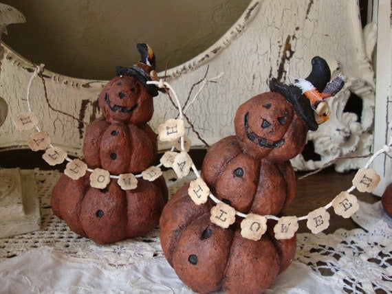 Halloween Pumpkin table decor figurine with halloween sign Paper Mache Country Primitive pumpkin with witch hat table decoration