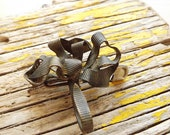 Vintage BROOCH metalwork brooch A BOW for repurposed or rescued jewelry
