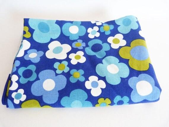 1970's Daisy table cloth