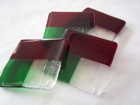 CHRISTMAS GLASS COASTERS - Holly Berry and Snow Fused Glass Coasters - Set of 4, Fused Glass Coaster Set, Drink Coasters, Christmas Decor