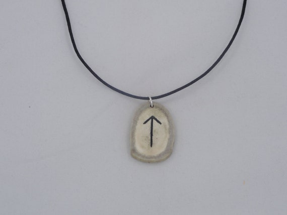 Custom Order double Bone Rune Necklace : Tiwaz & Raidho