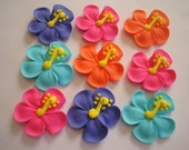 Hibiscus royal icing sugar flowers LOT of 100 cupcake topper