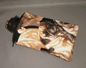 Eyeglass or Sunglasses Case - Zipper Top - Padded Zippered Pouch - iPhone - Cell Phone - Pug - Dog
