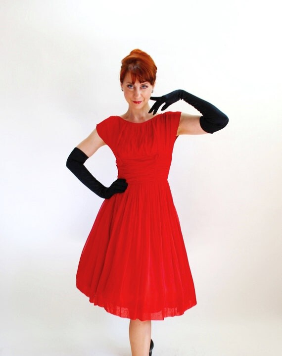 Sale - 1950s Red Chiffon Party Dress. Cocktail Dress. Mad Men Fashion. Audrey Hepburn. 50s Formal. Weddings. Fall Fashion. Size Medium